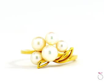 Vintage Mikimoto Akoya Pearl Cluster Ring in 18K yellow Gold, Grade A Pearls