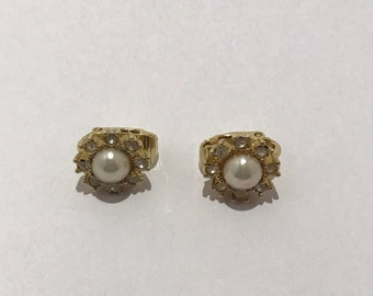Christian Dior Mini earrings pearls and rhinestone clips. French designer vintage
