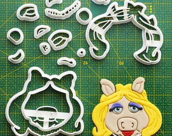 Miss Piggy Fondant Cutter  miss piggy,miss piggy costume,miss piggy ears,miss piggy mask,miss piggy doll