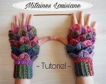 """Crochet """"Louisiane"""" Crocodile Fingerless Mittens Pattern"""