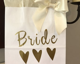 White Bridesmaid Gift Bag, Black Bridesmaid Gift Bag, Custom Gift Bag, Wedding Party Gift Bag, Favors, Handcrafted in 1-3 Business Days,