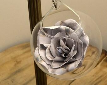 Flower glass bauble