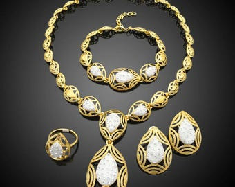 African Goldplated Fashion Jewelry 18k Costume Jewelry Set Twotone