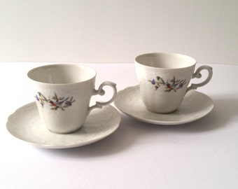 Sweet set of tea cups with saucers