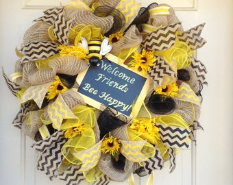 Bee Happy Welcome Friends cheerful bright spring summer chalkboard wreath, Bee Wreath, Spring Wreath, Summer Wreath, Large wreath