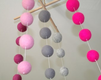Mobile Suspension girl colors Roses-gray felted balls