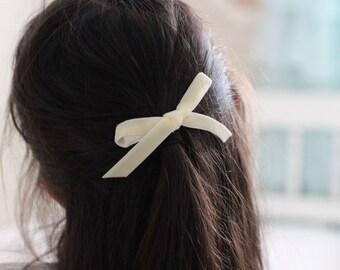 Ivory Petit Velvet Bow