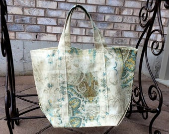 Fabric Market Tote Bag: White/Cream/Turquoise Wash