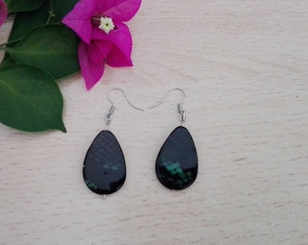 Green and black mother of pearl earrings