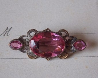 Pink Pin Vintage Rhinestone Art Deco Nouveau Brooch gold toned brass filigree