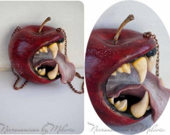 Toothed apple, pendant