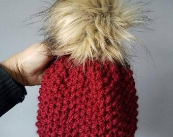 Slouchy Beanie//faux fur//pom pom//hand knit// beanie//hat//cozy//fall fashion//winter fashion//