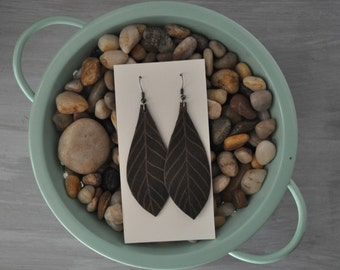 Leather earrings - featherleaf design, lightweight, genuine leather / Statement earrings / Gifts for her / Leather earrings / Brown earrings