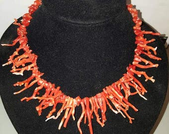 Beautiful Vintage Red Coral Necklace