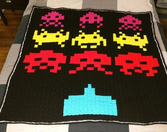 Space Invaders 80s Arcade Game Pixel Blanket