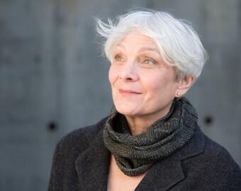 "Merino Knit, hand-made cowl ""Ibsen"""