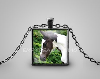 HORSE PENDANT Horse Necklace Pinto Horse Lover Gift for Horse Lover Horse Jewelry Equestrian Jewelry Paint Horse Pendant Black White