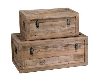 Set 2 wooden trunks retro