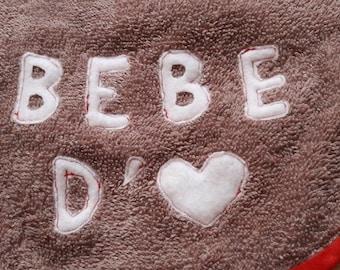 "Bib beige sponge, message ""Love Baby"" * 21 x 31 cm"