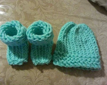 Fuzzy and Warm Baby Booties and Matching set