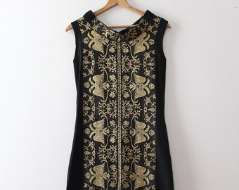 vintage 1960s shift dress // 60s embroidered Grecian shift dress