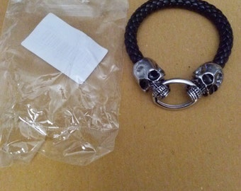 Hard Leather Skull Bracelet