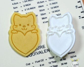 Cat on the Heart Cookie Cutter and Stamp