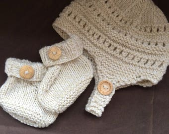 Hand knitted baby boys gift set hat and booties