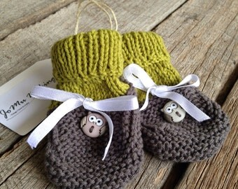 Grey owl knitted baby booties