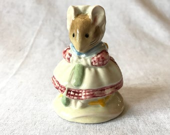 """Beatrix Potter Figurine """"The Old Woman Who Lived in a Shoe Knitting"""""""