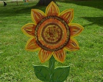 Sunflower Yard Art Stake, Wood Painted Sunflower Garden Stake, Spring Flower Lawn Stake, Spring Yard Decor, Flower Garden, Flower Yard Sign