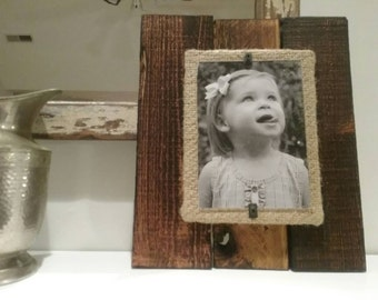 Shabby Chic 5x7 wooden plank frame with burlap mat.