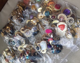 Lot of Assorted Odd/Broken Costume Jewellery, Destash Vintage Estate Craft Supplies, Plastic Gold Metal Earrings
