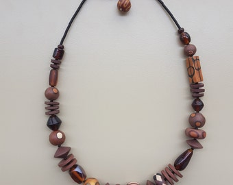 Brown necklace various parts