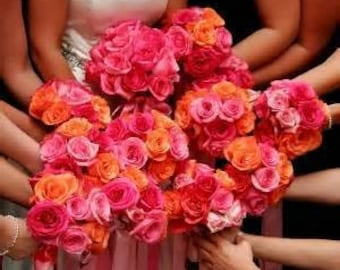 Rose bouquets for bridesmaids, maid of honor and flower girls