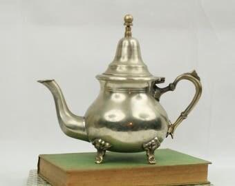 Vintage Moroccan teapot – footed teapot -  Alpaca silver – le cheval