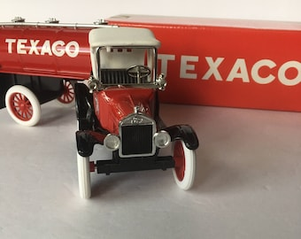 """1918 FORD RunAbout with TEXACO die cast metal Replica Tanker Trailer Bank 9"""""""
