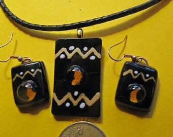 "Glass pendant + earrings, series ""Casamance""."