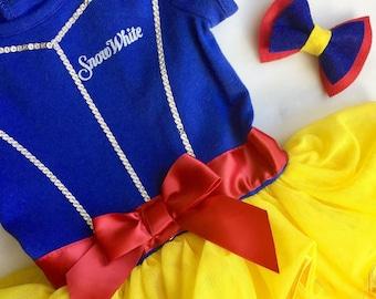Snow White Bow // Princess Bow // Disney Bow