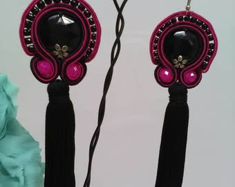 Flamenco earrings made in soutache with black footrope and glass stones in bougainvillea. Party earrings. Valentine's Day gift.