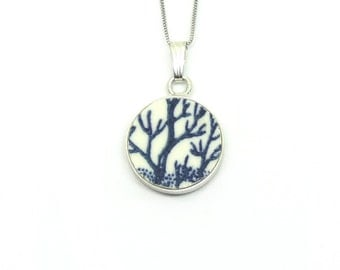 UIARA. Pendant made by antique porcelain and sterling silver.
