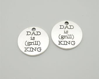 20pcs 17mm Antique Silver Dad Is Grill King Charm Pendants,Letters Charm Pendants ZH1725