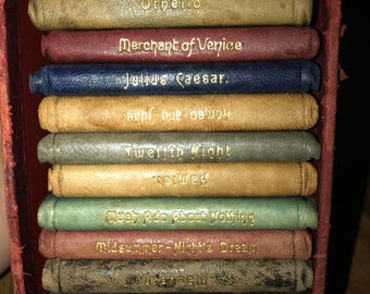 10 Multicolored Miniature Shakespeare Books in Original Box