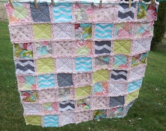 Pretty and Modern Pink & Gray Crib Quilt