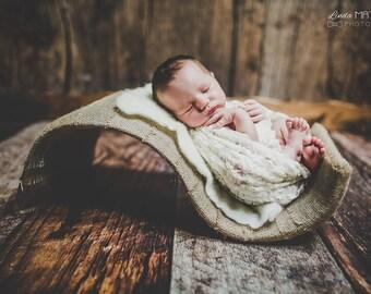 "NEWBORN ""S"" SHAPED POSER - newborn photo prop"