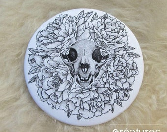 Pocket mirror with his clutch in satin - Vanity - skull of cat and peonies
