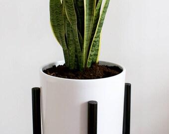 Retro mid century planter black framework