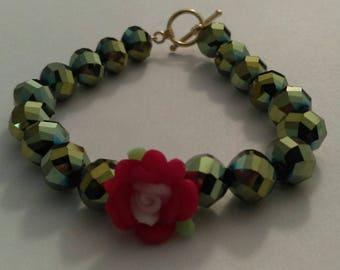 Red flower green bracelet