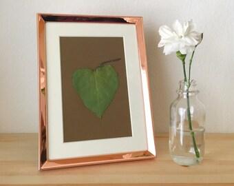 pressed flower art rose gold frame heart shaped leaf