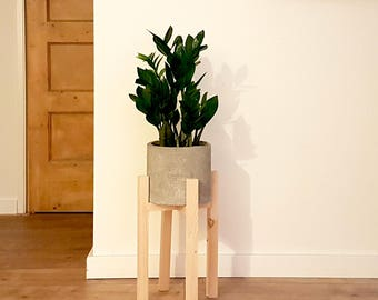 Concrete planter ø 20 cm with pinewood stand